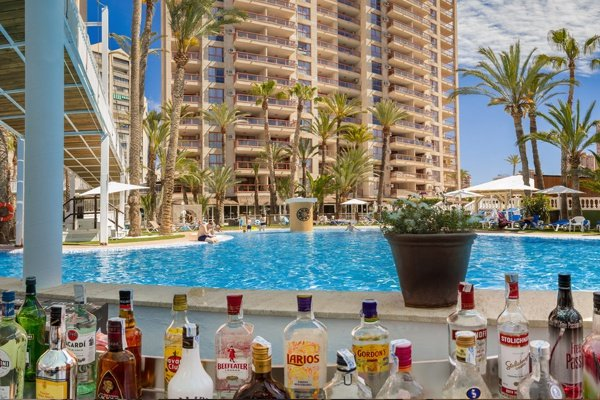 apparthôtel magic tropical splash benidorm