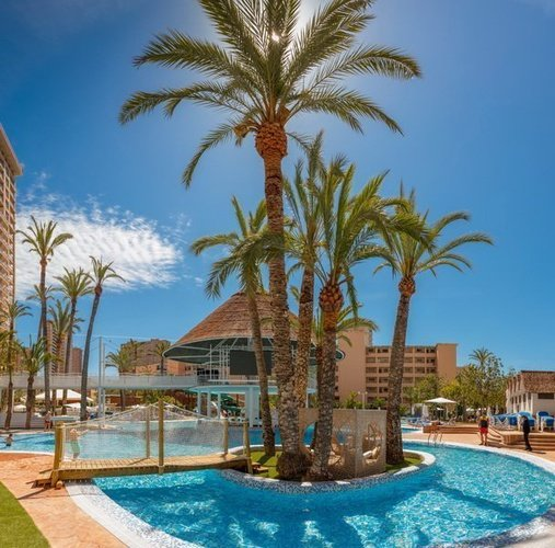 Piscine-lac apparthôtel magic tropical splash benidorm
